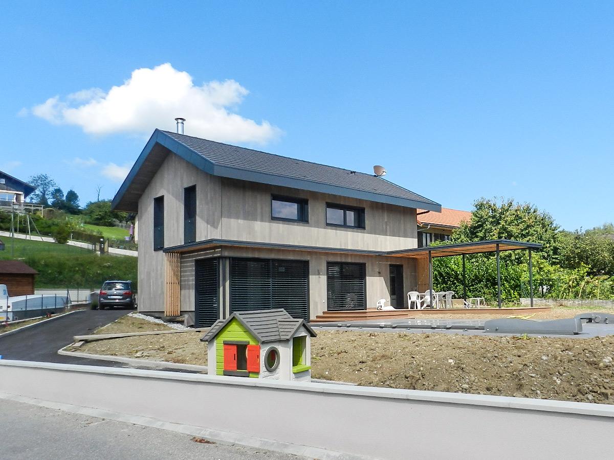 Logement individuel d 39 architecte favre libes for Extension maison lotissement